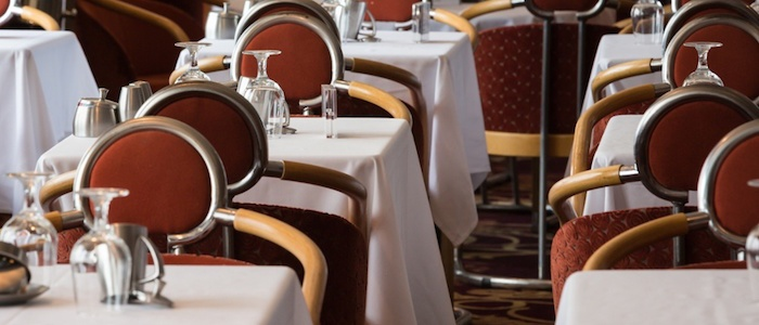 frank-cruise-ship-dinning-hall-and-ice-contamination-prevention-tips-700x300